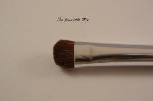Elf eyeshadow brush detail
