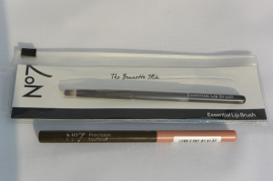 N°7 precision lips pencil nude + lip brush
