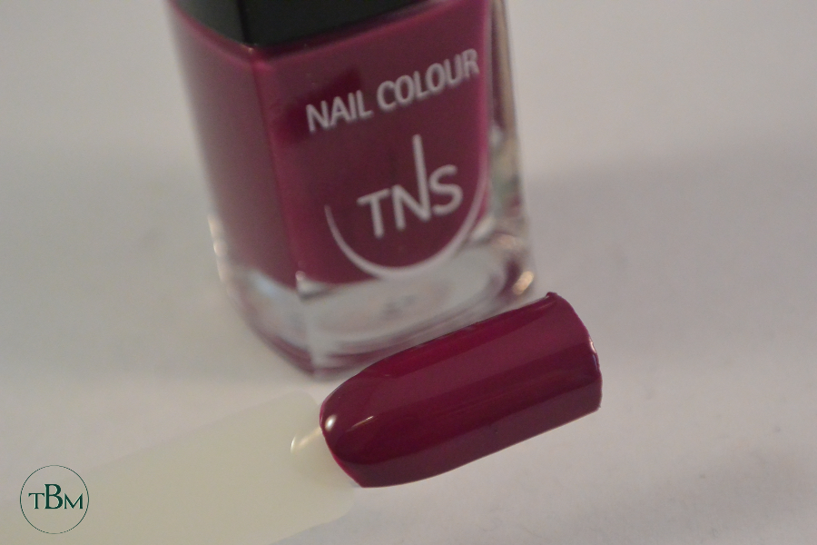 TNS 427 Rose Macarons swatch