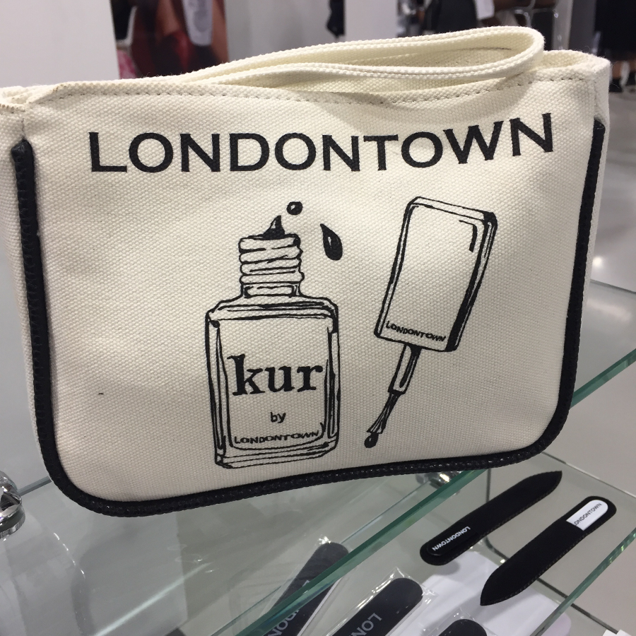 Esthetiworld 2018 LondonTown kit